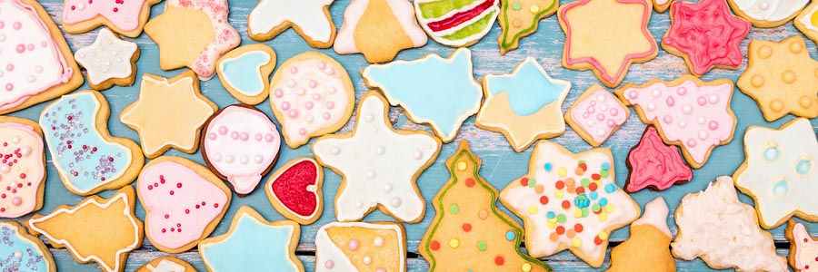HOLIDAY RECIPE: SUPER SOFT SUGAR COOKIES WITH EASY ICING